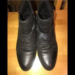 Baretraps Black Ruched Zip Ankle Boots Size 10